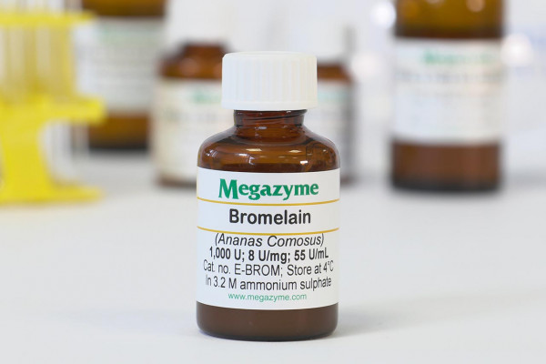 Bromelain from pineapple stems (Ananas comosus)